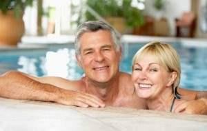 couple-in-pool350.jpg
