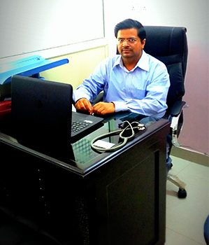dr-dinesh-singhal-child-specialist-doctor-in-dwarka-sec12 img.jpg