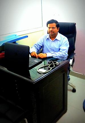 dr-dinesh-singhal-child-specialist-doctor-in-dwarka-sec12 img.jpg
