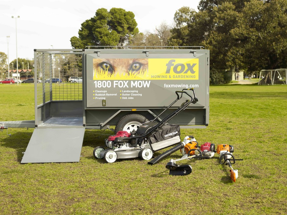 fox-mowing-and-gardening-hallett-cove-gardeners-d982-938x704.jpg